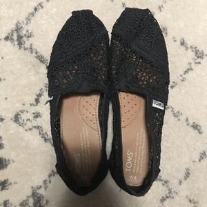 TOMS Black Lace Crochet Size 6